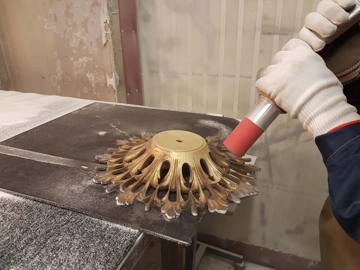 decapage-aerogommage-piece-bronze