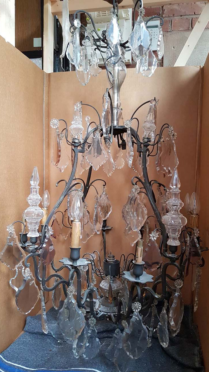 Lustre bronze et cristal 8+8+1 lumières avant restauration